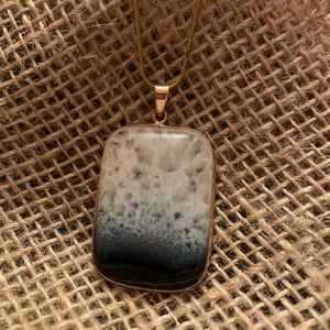 Gold Agate Stone Pendant Necklace